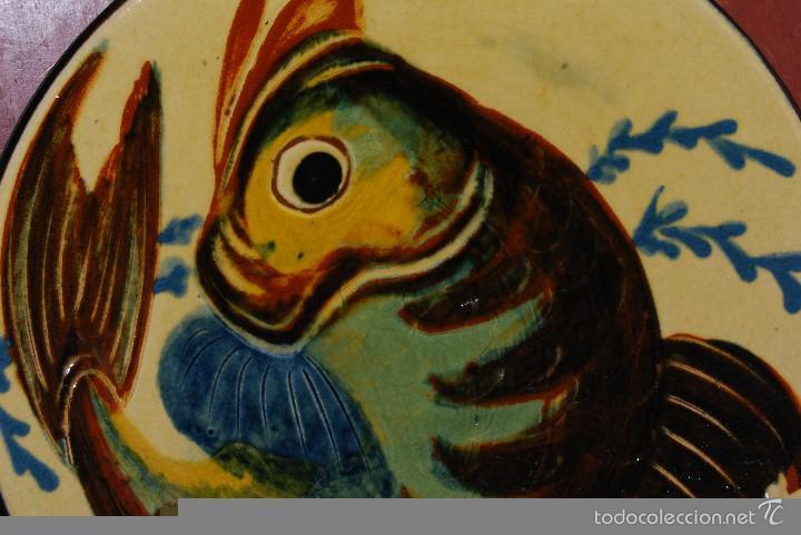 Antigüedades: PLATO DE CERÁMICA DE LA BISBAL - PEZ - Foto 3 - 219169183