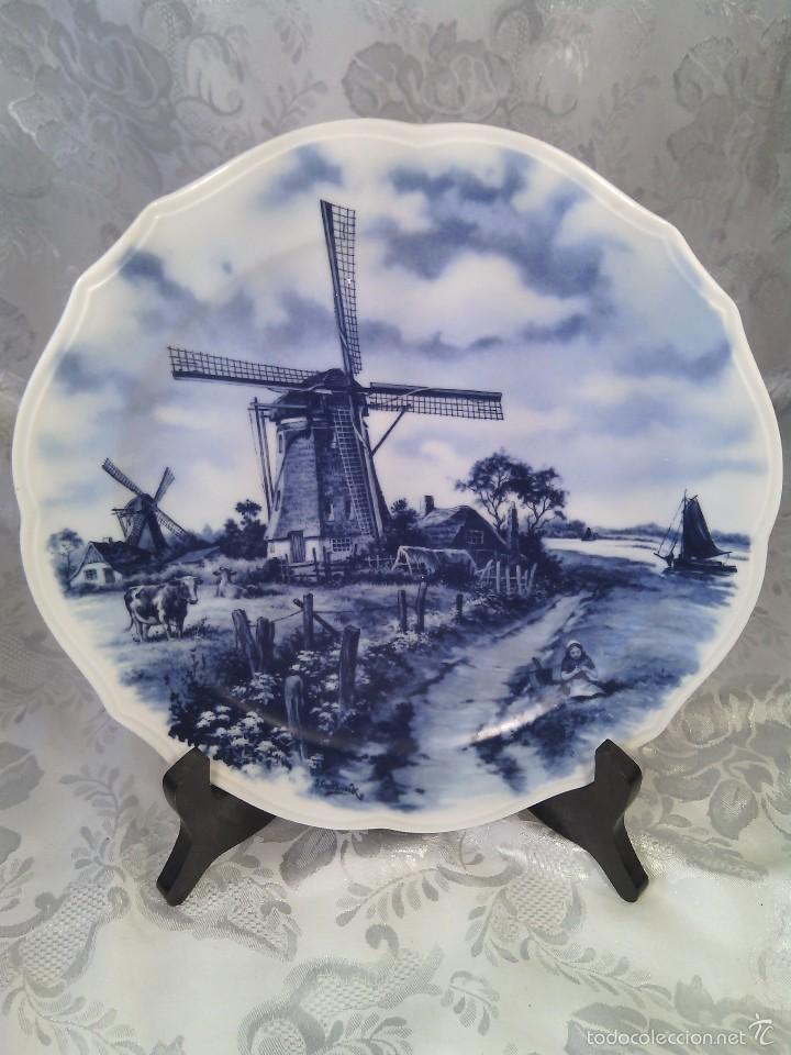 PLATO EN PORCELANA DELFT. HOLANDA. MARCA AL DORSO. SEGUNDO TERCIO DEL SIGLO XX. (Antigüedades - Porcelana y Cerámica - Holandesa - Delft)