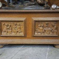 Antigüedades: BAUL DE MADERA, CON IMAGENES 83X35X48CM. Lote 60674105