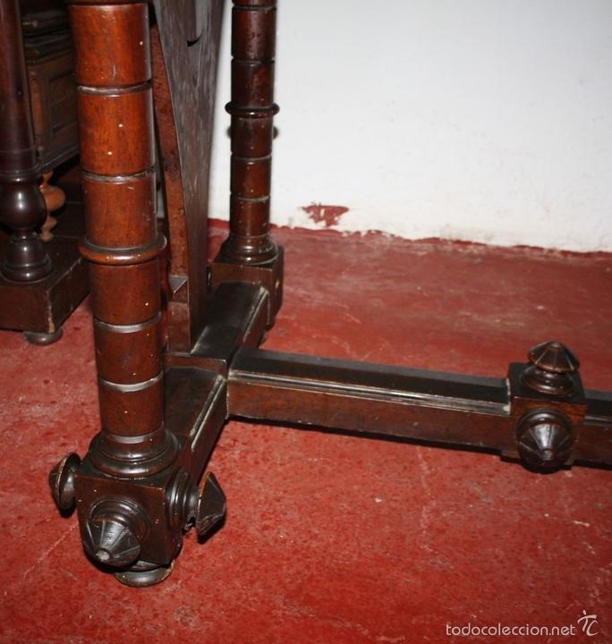 Antigüedades: MESA DE DESPACHO. MADERA DE NOGAL. ESTILO ALFONSINO. ESPAÑA. SIGLO XIX. - Foto 11 - 60788771
