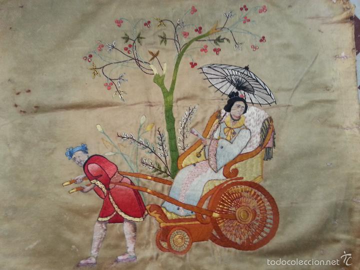 Antigüedades: MUY ANTIGUO COJIN BORDADO A MANO Y PINTADO OLEO FILIPINO CHINO ORIENTAL JAPONES MANTON MANILA ? - Foto 4 - 60797463