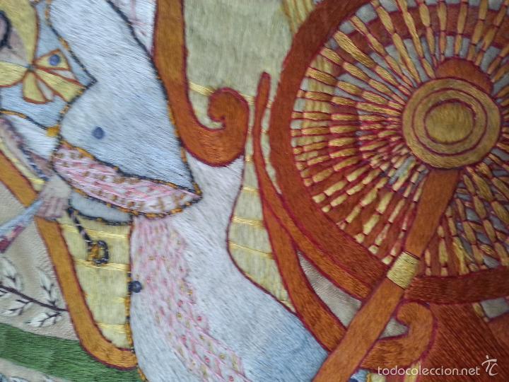 Antigüedades: MUY ANTIGUO COJIN BORDADO A MANO Y PINTADO OLEO FILIPINO CHINO ORIENTAL JAPONES MANTON MANILA ? - Foto 15 - 60797463