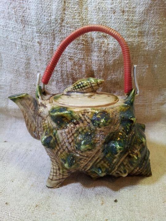 Antigüedades: Original tetera de porcelana, decorada y esmaltada, figurando una concha de caracola, AÑOS 50 JAPON. - Foto 3 - 60797791