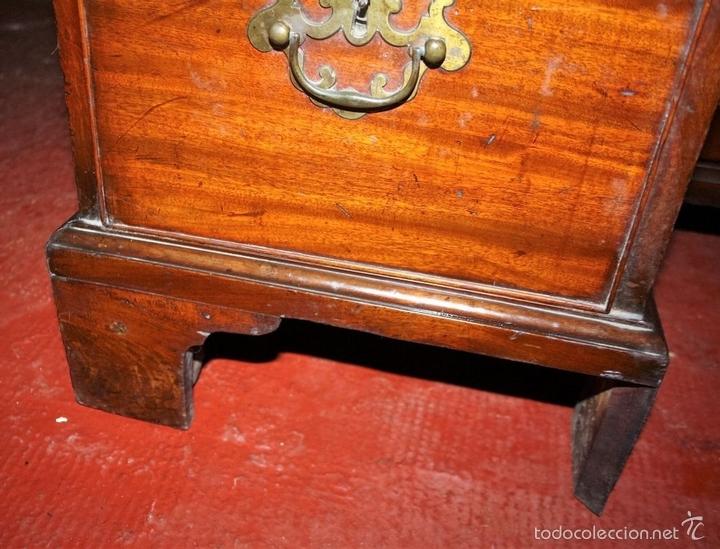 Antigüedades: MESA ESCRITORIO. MADERA DE CAOBA. ESTILO REINA ANA. INGLATERRA. SIGLO XVIII/XIX. - Foto 4 - 60850743