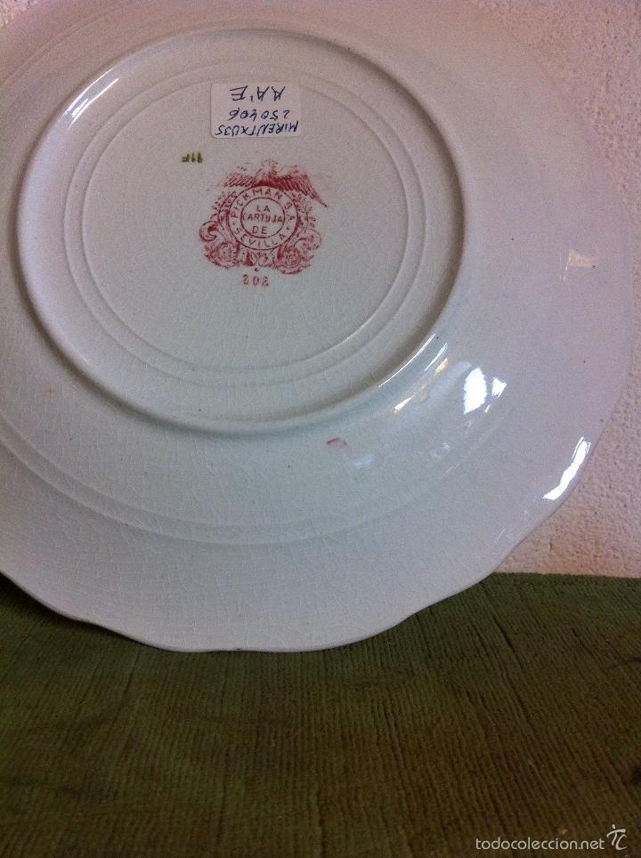 Antigüedades: bonita y antigua pareja de platos hondo y llano de la marca pickman de la cartuja de sevilla - Foto 3 - 60861571