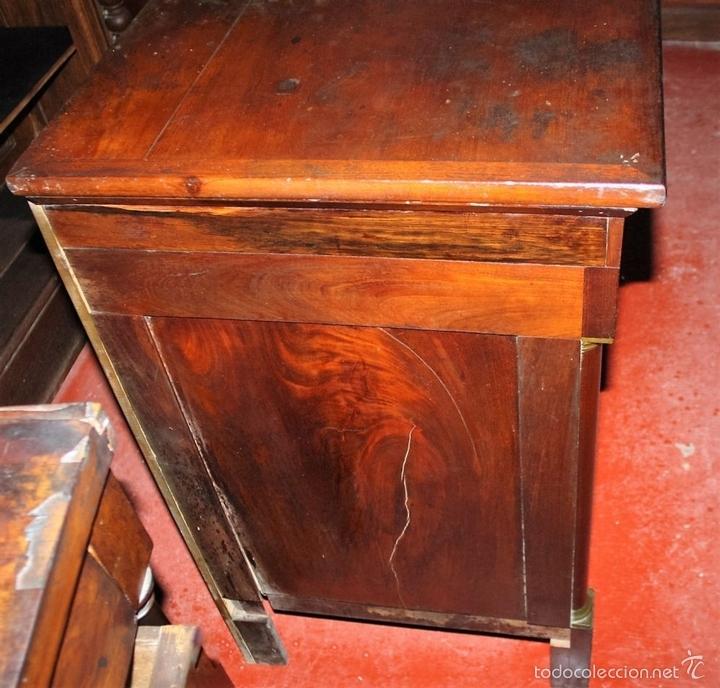 Antigüedades: COMODA ESTILO IMPERIO EN MADERA DE NOGAL. FRANCIA. CIRCA 1820. - Foto 9 - 60918255