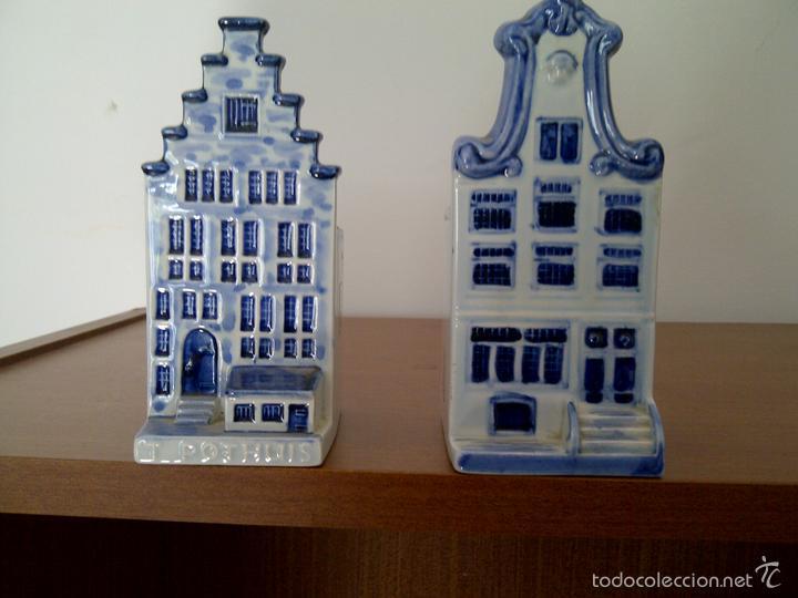 2 CASITAS EN PORCELANA DE DELFT,ANTIGUAS. (Antigüedades - Porcelana y Cerámica - Holandesa - Delft)