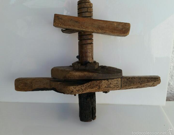 ANTIGUA PRENSA POSIBLEMENTE VINO. CON TORNILLO SINFIN (Antigüedades - Técnicas - Rústicas - Agricultura)