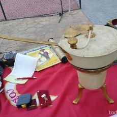 Antigüedades: CURIOSA Y ANTIGUA ESTUFA DE LEÑA O CARBÓN. . Lote 60952723