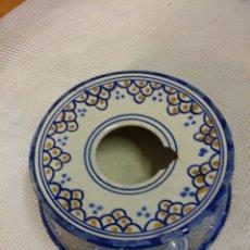 Antigüedades: ANTIGUA ESCUPIDERA CERAMICA TALAVERA . Lote 60979334
