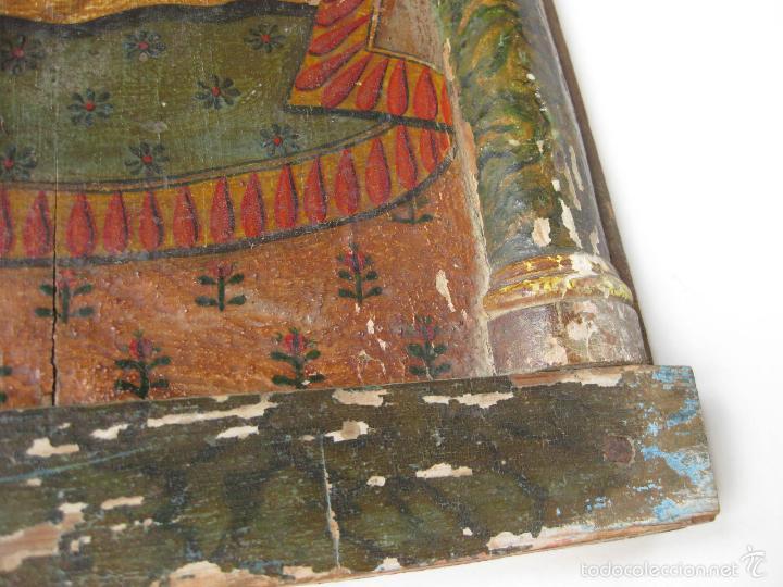 Antigüedades: PARTE DE UN RETABLO POPULAR DEL SIGLO XIX CON UN CRISTO YACENTE Y LA CORONA DE ESPINAS - Foto 3 - 61068951