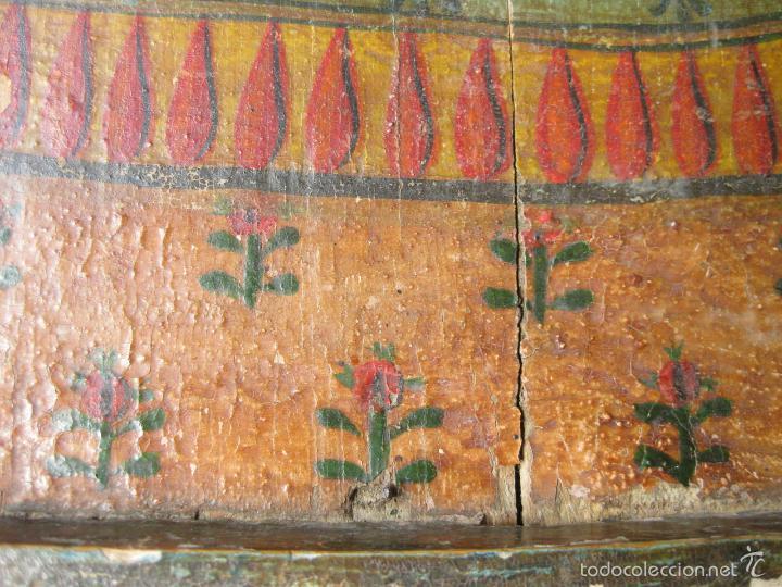 Antigüedades: PARTE DE UN RETABLO POPULAR DEL SIGLO XIX CON UN CRISTO YACENTE Y LA CORONA DE ESPINAS - Foto 8 - 61068951