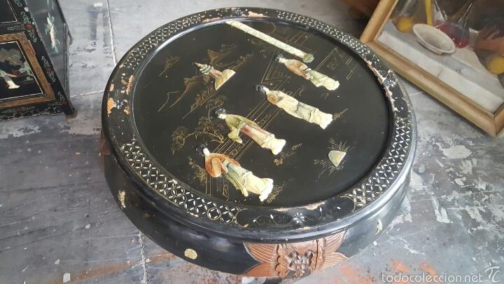 Antigüedades: Antigua mesa baja, china, redonda con incrustaciones. PRECIO 650€ - Foto 7 - 61196345