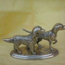 Antigüedades: FIGURA PERROS DE CAZA. Lote 146318657