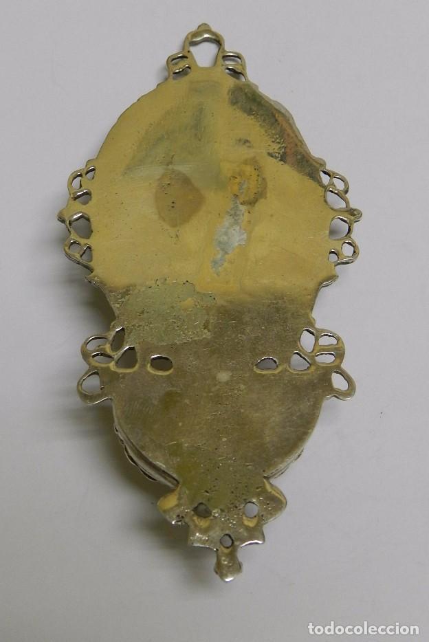Antigüedades: Antigua Benditera en plata maciza. Mide 11,5 cms de altura x 5,5 cms de anchura. Una preciosidad, v - Foto 3 - 61384279