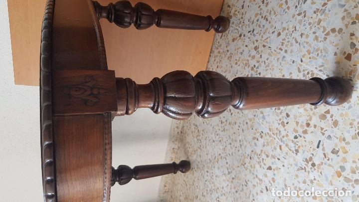 Antigüedades: Mesa de comedor en madera de roble con talla en las patas. Extensible. - Foto 2 - 61385967