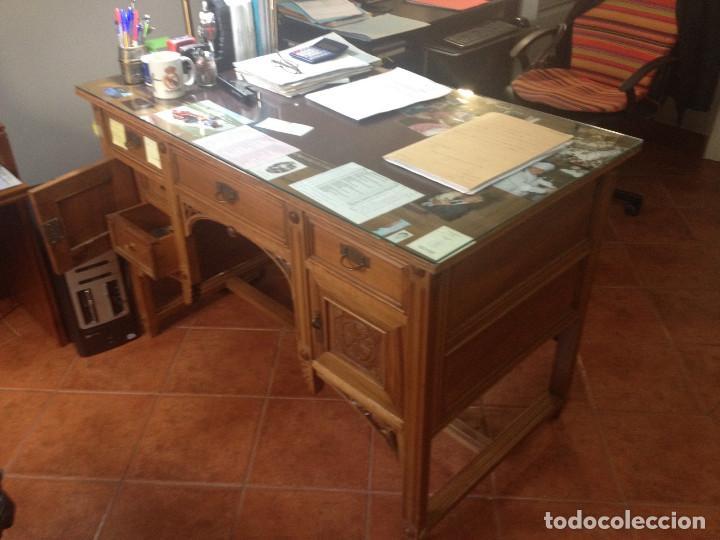 MESA DE DESPACHO ANTIGUA TALLADA (Antigüedades - Muebles Antiguos - Mesas de Despacho Antiguos)