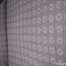 Antigüedades: IMPRESIONANTE COLCHA A GANCHILLO PARA CAMA DE MATRIMONIO. Lote 61405891
