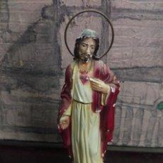 Antigüedades: FIGURA EN ESCAYOLA POLICROMADA SAGRADO CORAZON DE JESUS. Lote 61446883