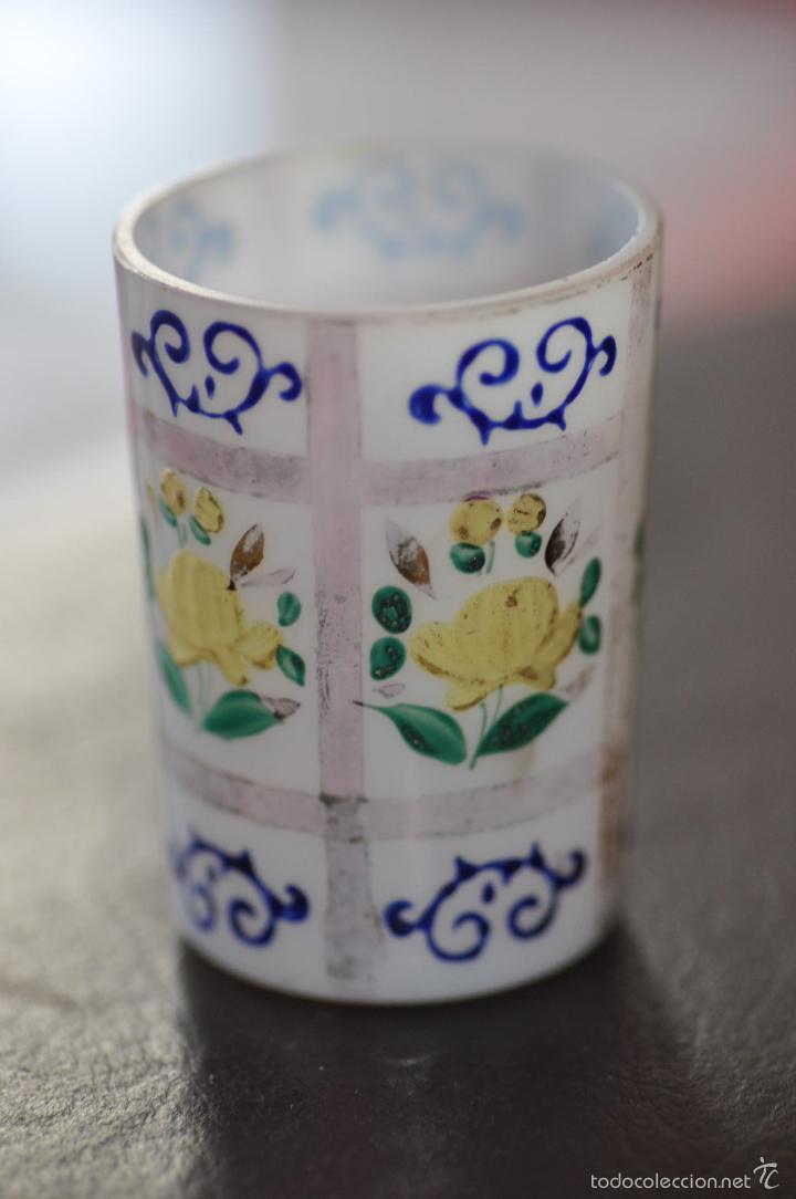 Antigüedades: vaso de cristal de la granja , pintado a mano 6,5 x 4,6 cm. - Foto 6 - 61480979