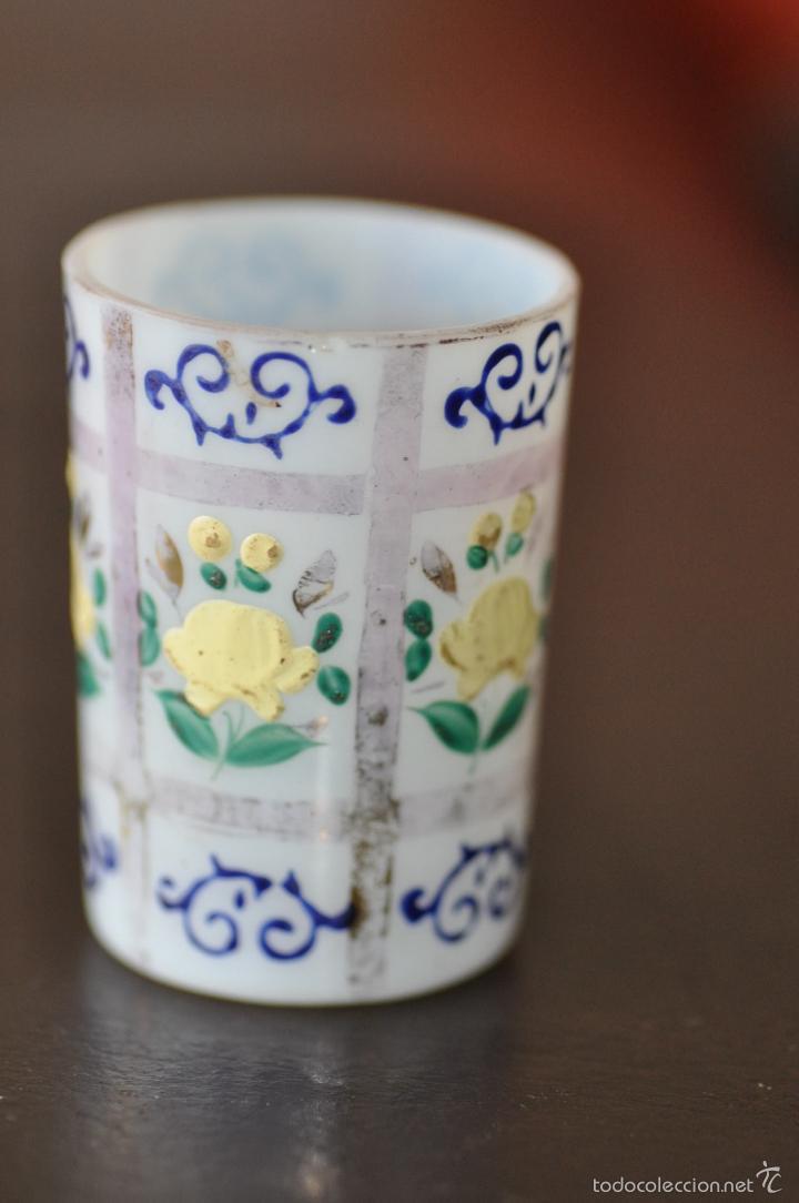 Antigüedades: vaso de cristal de la granja , pintado a mano 6,5 x 4,6 cm. - Foto 7 - 61480979