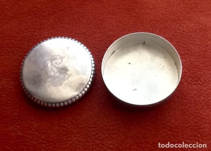 Antigüedades: PASTILLERO CON INICIALES. PLATA CON PUNZONES. ENVIO INCLUIDO. - Foto 5 - 61722264