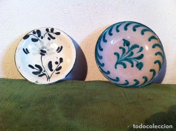 DOS ANTIGUOS PLATITOS DE CERAMICA DESCONOCIDA (Antigüedades - Porcelanas y Cerámicas - Otras)