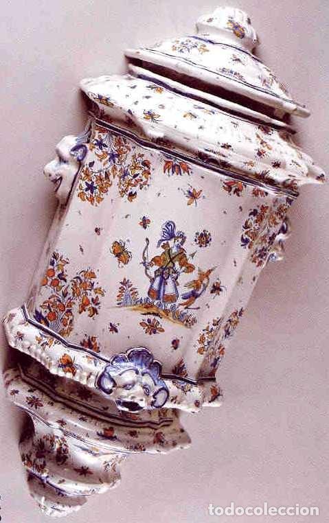 AGUAMANIL CON DECORACIONES DE CHINESCOS. MODELO DE ALCORA, SIGLO XIX. ALT. 72,5 CM (Antigüedades - Porcelanas y Cerámicas - Alcora)