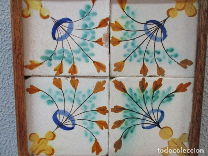 Antigüedades: Antiguo Plafón - 4 Azulejos - Cerámica Catalana Policromada - con Marco - Finales S. XVIII - Foto 2 - 61870056