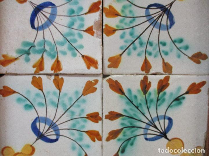 Antigüedades: Antiguo Plafón - 4 Azulejos - Cerámica Catalana Policromada - con Marco - Finales S. XVIII - Foto 3 - 61870056