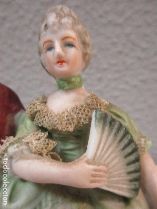 Antigüedades: Bonita Figura Antigua - Isabelina - Porcelana de Biscuit, Policromada - Pareja Romantica - S. XIX - Foto 4 - 61871200