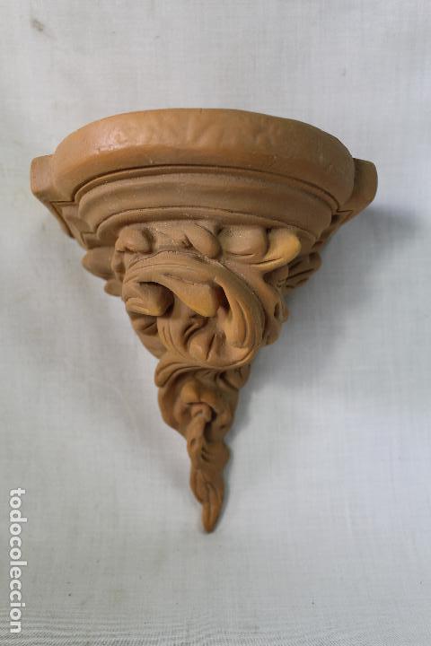 MENSULA EN RESINA - POLIURETANO (Antigüedades - Muebles Antiguos - Ménsulas Antiguas)