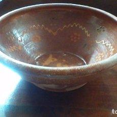 Antigüedades: ANTIGUO CUENCO DE BARRO. 25,5 CM. DE DIAMETRO. Lote 62173432