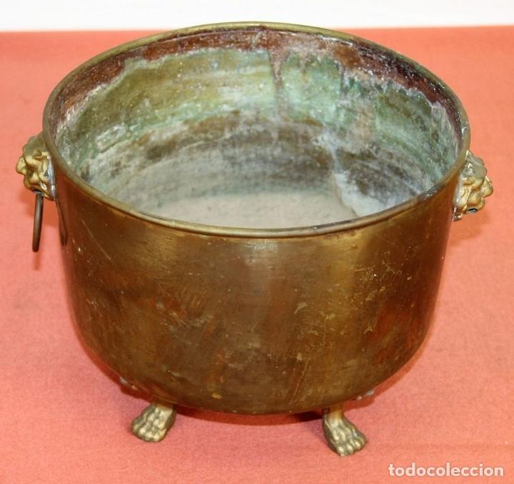 Antigüedades: JARDINERA ESTILO IMPERIO. BRONCE Y LATÓN. ESPAÑA. SIGLO XX. - Foto 4 - 62232068