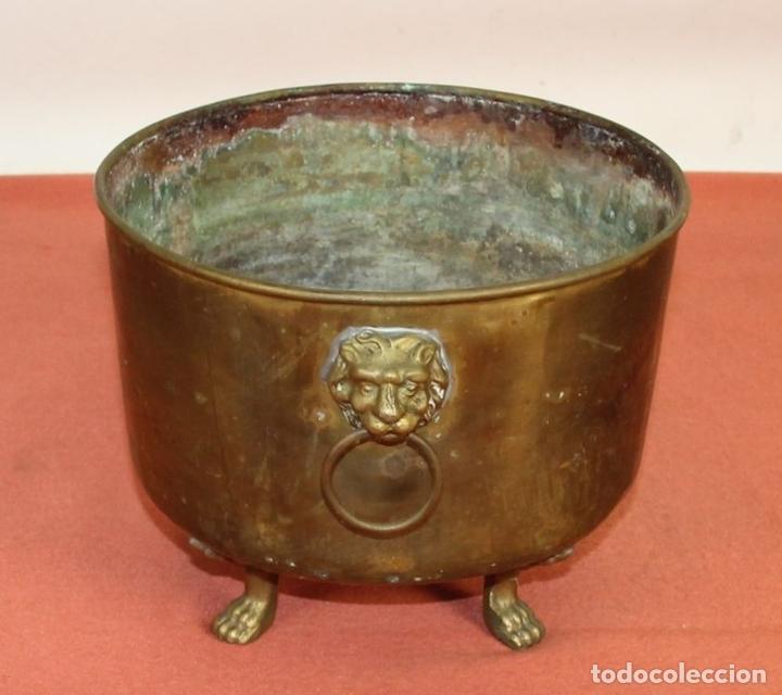 Antigüedades: JARDINERA ESTILO IMPERIO. BRONCE Y LATÓN. ESPAÑA. SIGLO XX. - Foto 6 - 62232068
