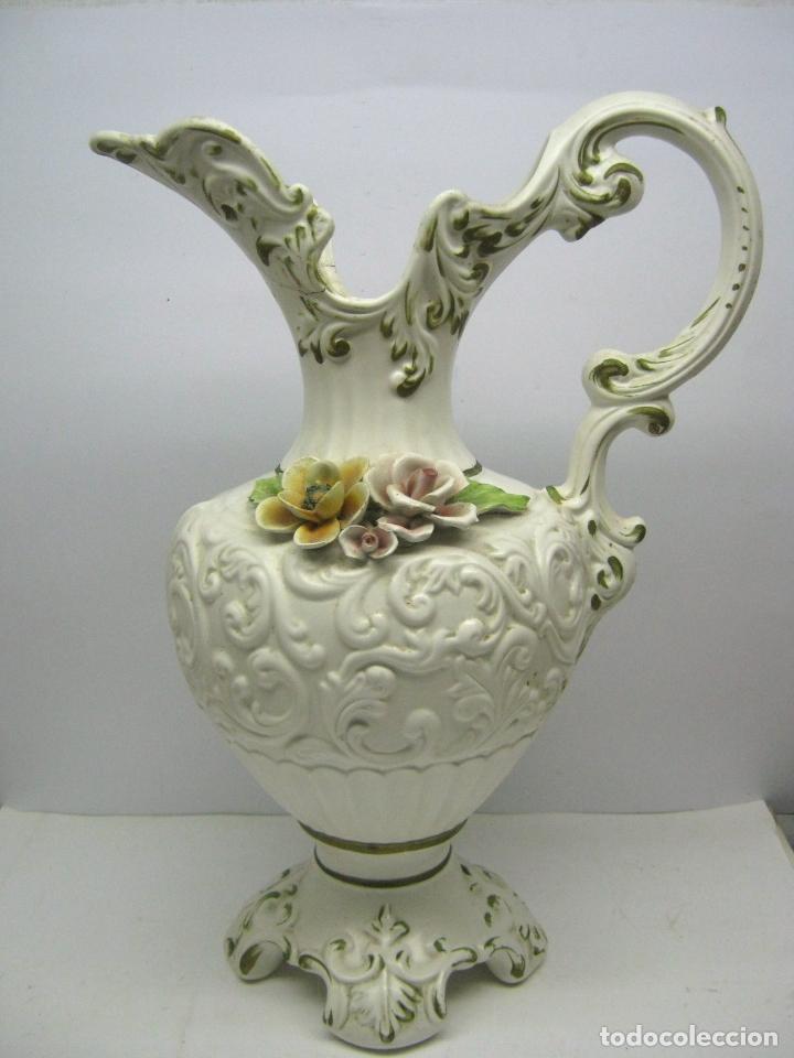 42 CM - IMPRESIONANTE JARRA AGUAMANIL CAPODIMONTE COMACCHIO ITALIA (Antigüedades - Porcelanas y Cerámicas - Otras)