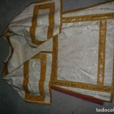 Antigüedades: FANTASTICA DALMATICA DE SEDA BLANCA Y PASAMANERIA FINALES SIGLO XIX. Lote 143066428