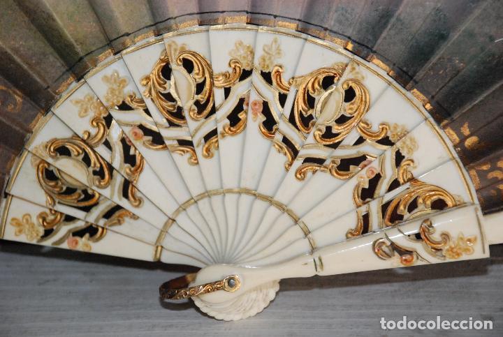 Antigüedades: PRECIOSO ABANICO ANTIGUO DE HUESO PINTADO A MANO - Foto 5 - 62332228