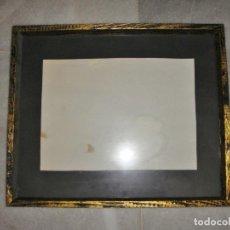 Antigüedades: MARCO DE MADERA CON CRISTAL (42 CM X 35 CM). Lote 62377680