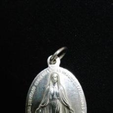Antigüedades: PRECIOSA MEDALLA MARIANA EN PLATA DE LEY. Lote 62419964