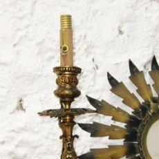Antigüedades: VIP! LAMPARA CANDELABRO BRONCE AL ORO XVIII ELECTRIFICADO CIRCA 1900 CASQUILLO ORIGINAL MADERA . Lote 62464412