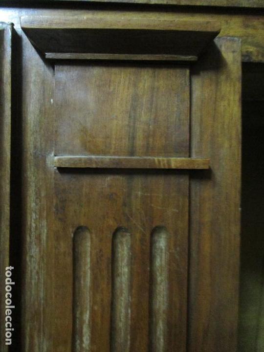 Antigüedades: Precioso Armario Provenzal - Francia - Luis XV - Madera de Nogal - Achanfranado - S. XVIII - Foto 26 - 62534216