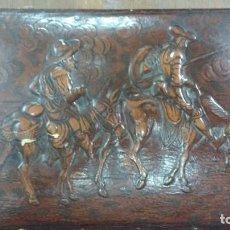Antigüedades: CAJA DE MÙSICA CON REPUJADO EN RELIEVE DE DON QUIJOTE Y SANCHO PANZA. Lote 62611364