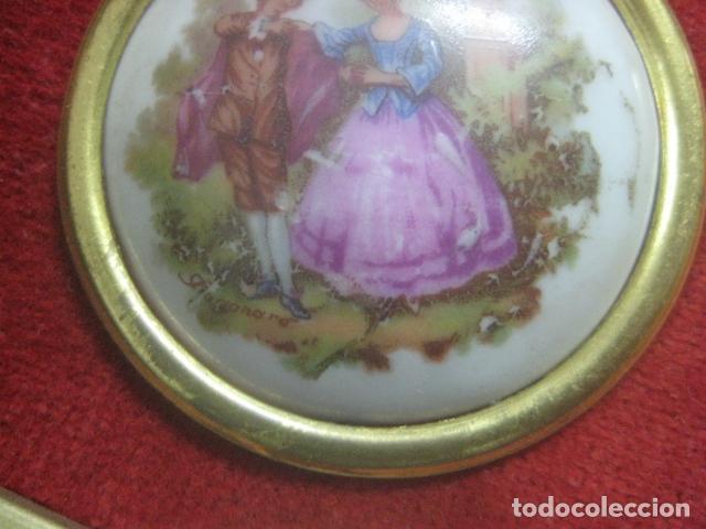 Antigüedades: MINIATURA EN CUADRO CON PORCELANA DE LIMOGES DEL SIGLO XIX, ESCENA DE FRAGONARD, DECORACIONES EN ORO - Foto 5 - 62614748