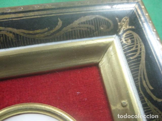Antigüedades: MINIATURA EN CUADRO CON PORCELANA DE LIMOGES DEL SIGLO XIX, ESCENA DE FRAGONARD, DECORACIONES EN ORO - Foto 10 - 62614748
