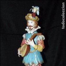 Antigüedades: MÚSICO SIGLO XVII EN AUTÉNTICA PORCELANA DE ALGORA DOCUMENTADA. PIEZA RARA EN PERFECTO ESTADO.. Lote 62708584