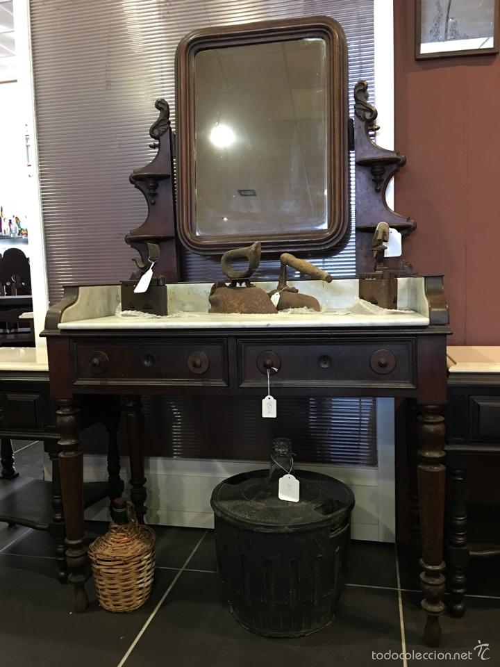 Mueble tocador de madera y marmol el dia comprar for Transporte muebles madrid
