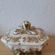 Antigüedades: ANTIGUA CAJA O JOYERO DE CERAMICA. Lote 62763320