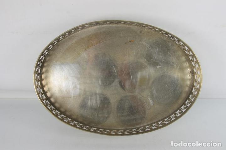 Antigüedades: JUEGO DE LICOR. BANDEJA METAL PLATEADO. CRISTAL Y PLATA, FRANCIA. AÑOS 50 - Foto 8 - 45493536