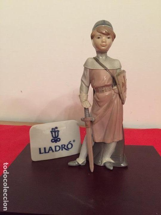 FIGURA DE PORCELANA FINA DE LLADRO (Antigüedades - Porcelanas y Cerámicas - Lladró)